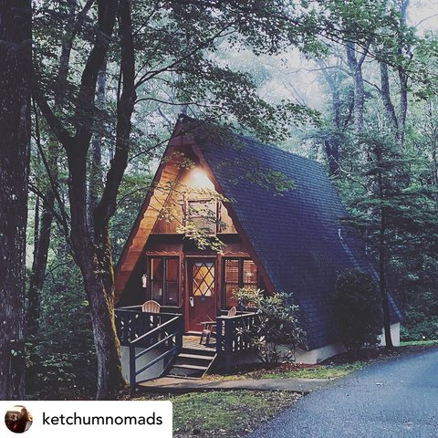 @withregram • @ketchumnomads Little cabin in the woods #countrylife #countryliving #cabinlife #cabin #littleswitzerland #littleswitzerlandinn